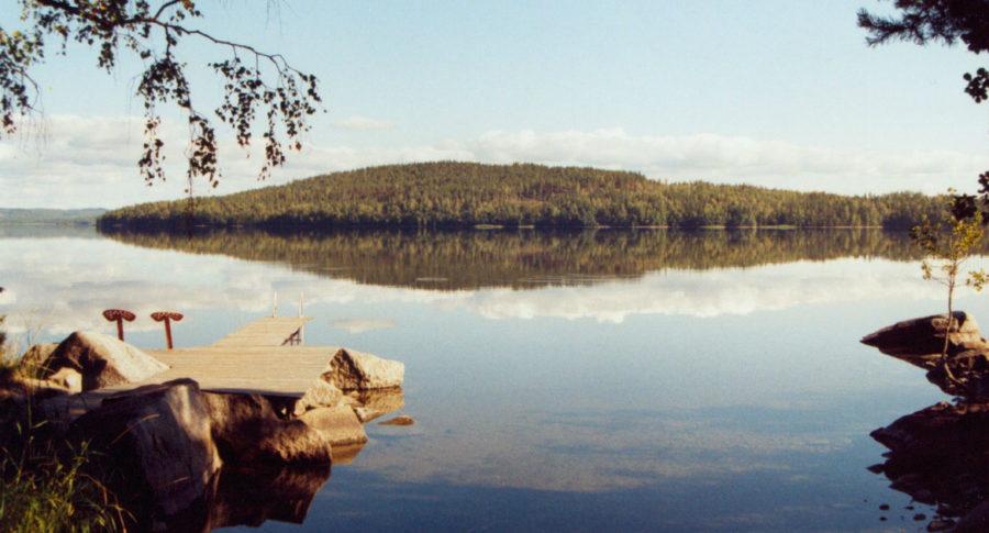 Tyyni ja puhdas Päijänne-järvi Hilla-mökin rannasta